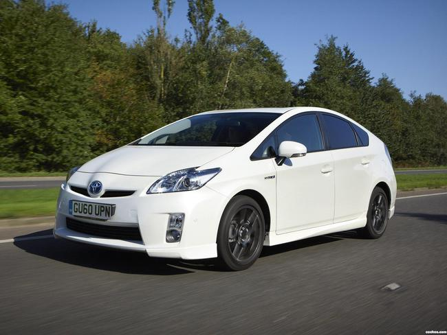 toyota_prius-10th-anniversary-limited-edition-2010_r5