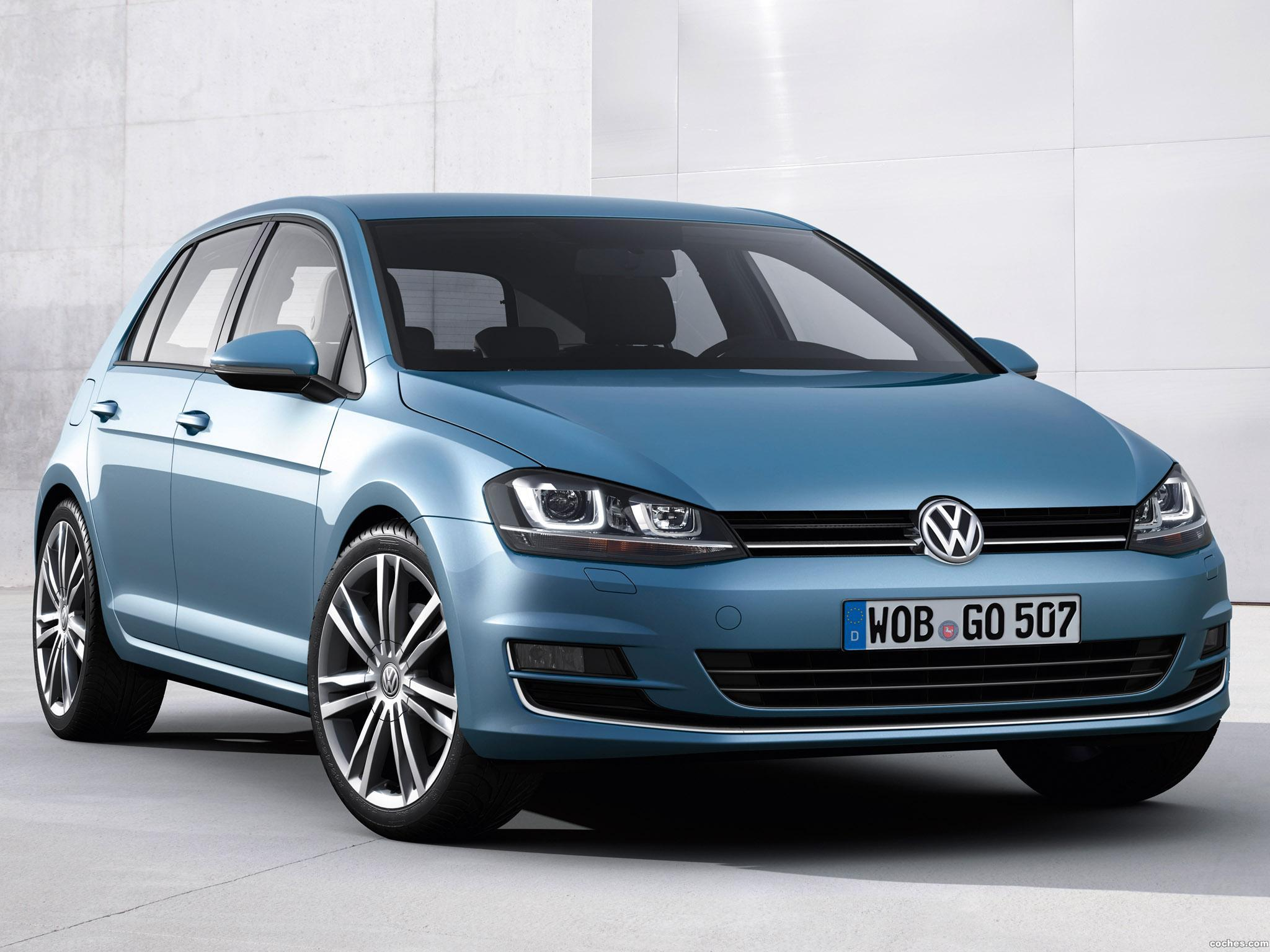 fotos de volkswagen golf 7 5 puertas tsi bluemotion 2013. Black Bedroom Furniture Sets. Home Design Ideas