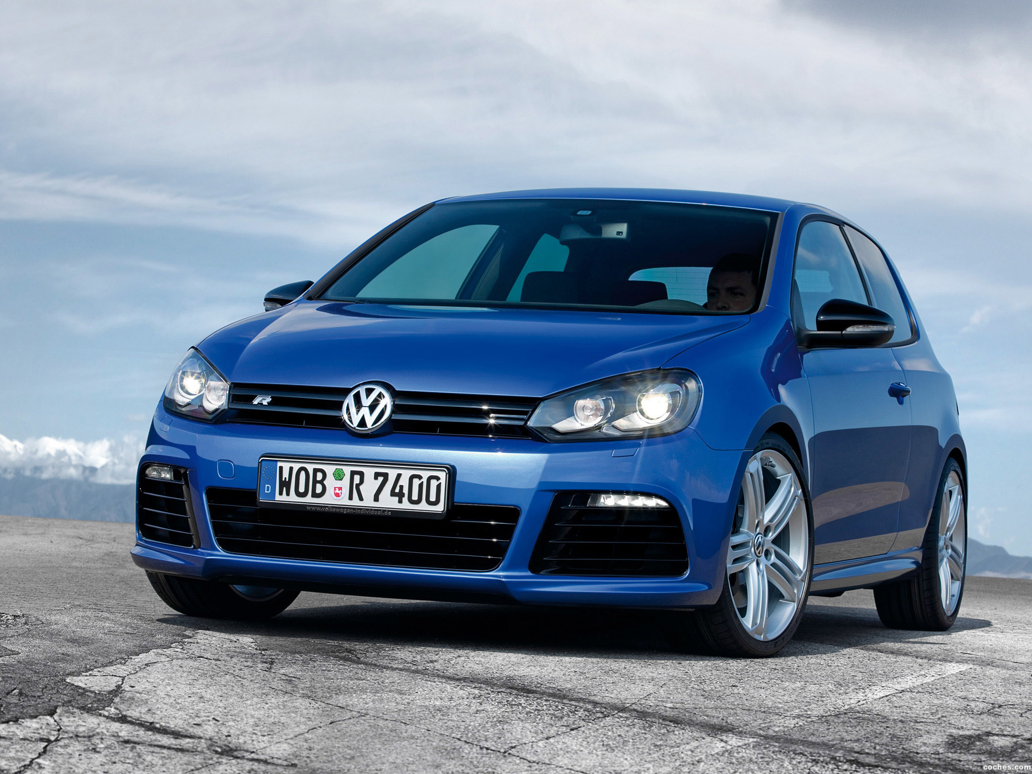 fotos de volkswagen golf vi r 3 puertas 2010. Black Bedroom Furniture Sets. Home Design Ideas
