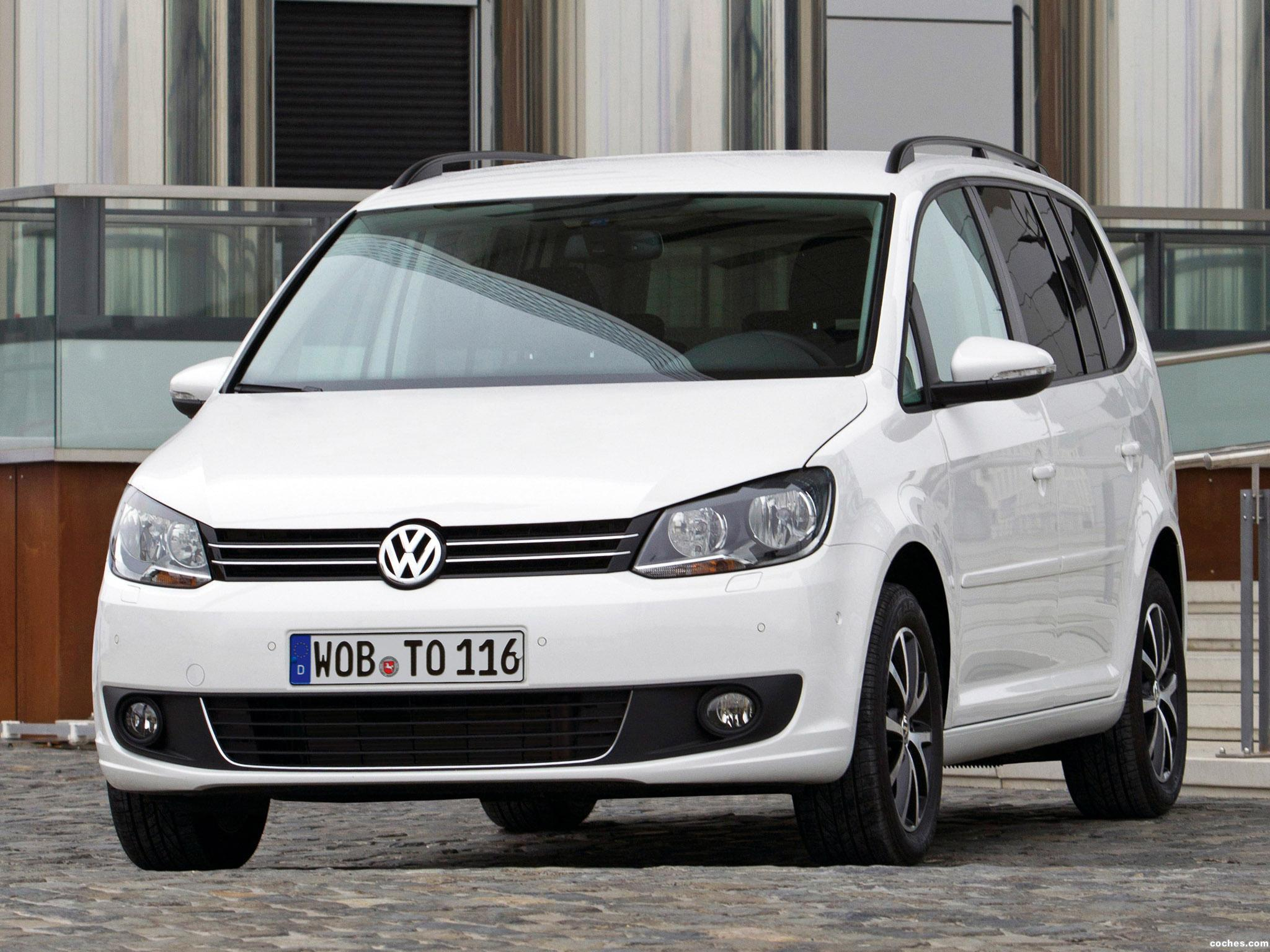 fotos de volkswagen touran bluemotion 2010. Black Bedroom Furniture Sets. Home Design Ideas