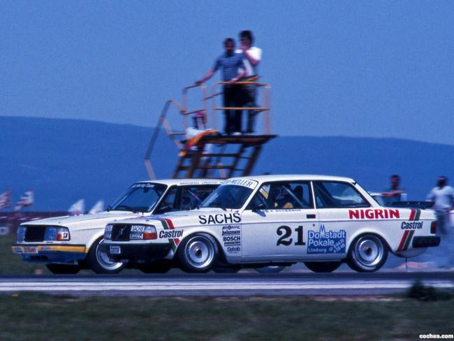 volvo_240-turbo-dtm-1984-87_r1