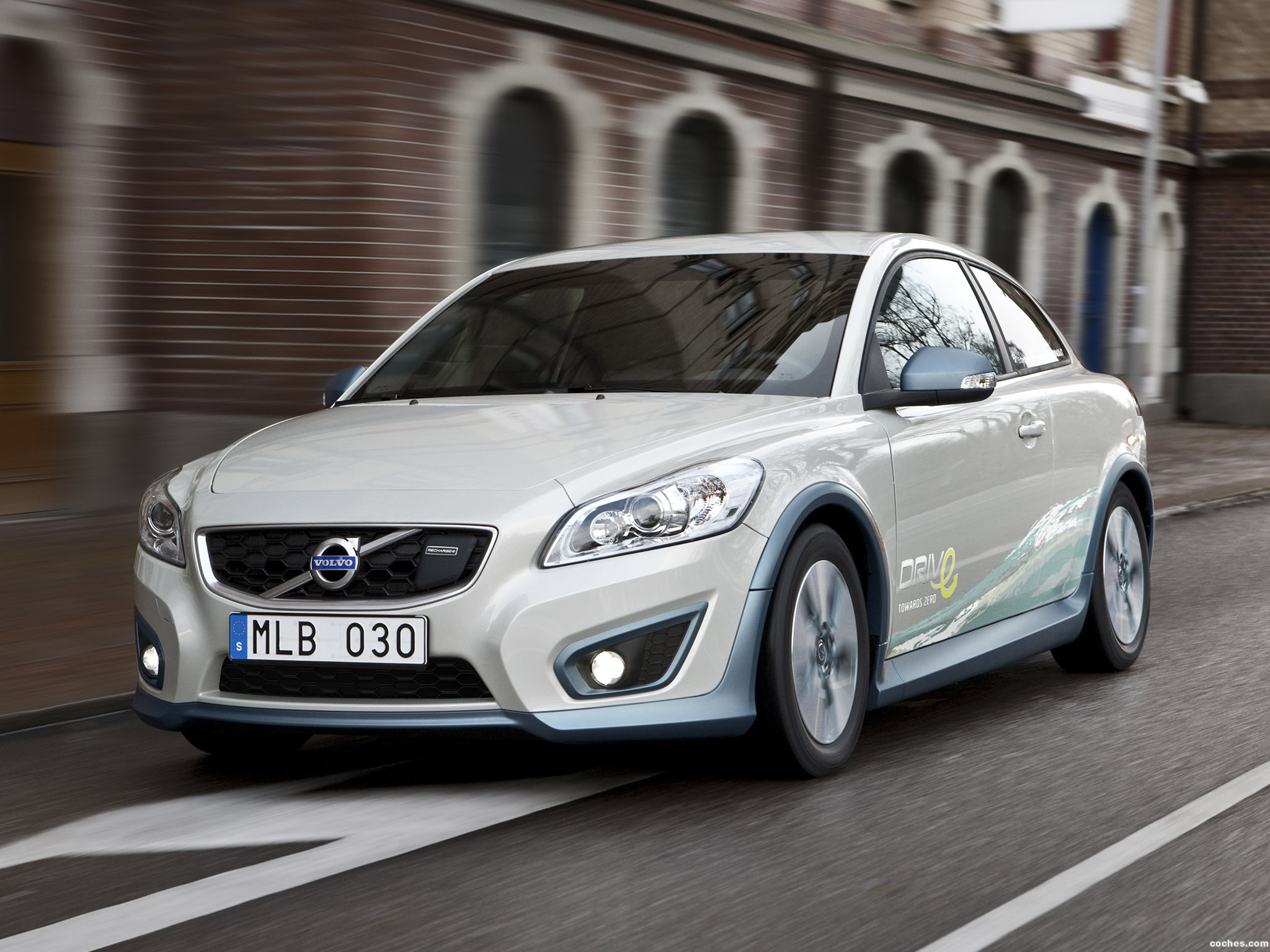 volvo_c30-drive-electric-2011_r8