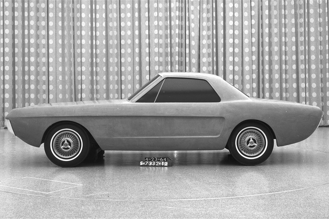 1964-ford-two-seat-mustang-concept-side-view