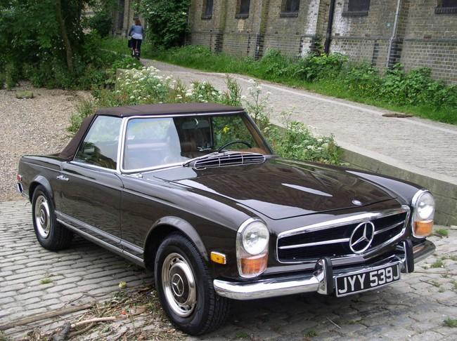 Mercedes-SL-280-pagoda