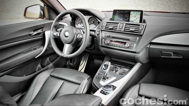 BMW_M235i_28