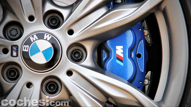BMW_M235i_38