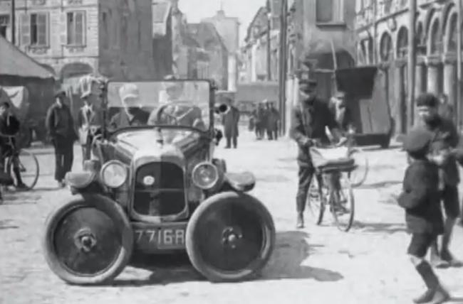 Citroen 1927 aparcamiento
