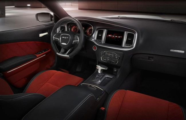 Dodge Charger SRT Hellcat 2015 interior 01