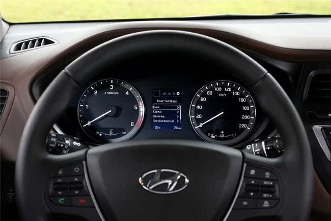 Hyundai i20 2015 interior 05