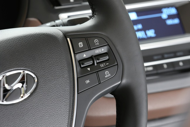 Hyundai i20 2015 interior 12