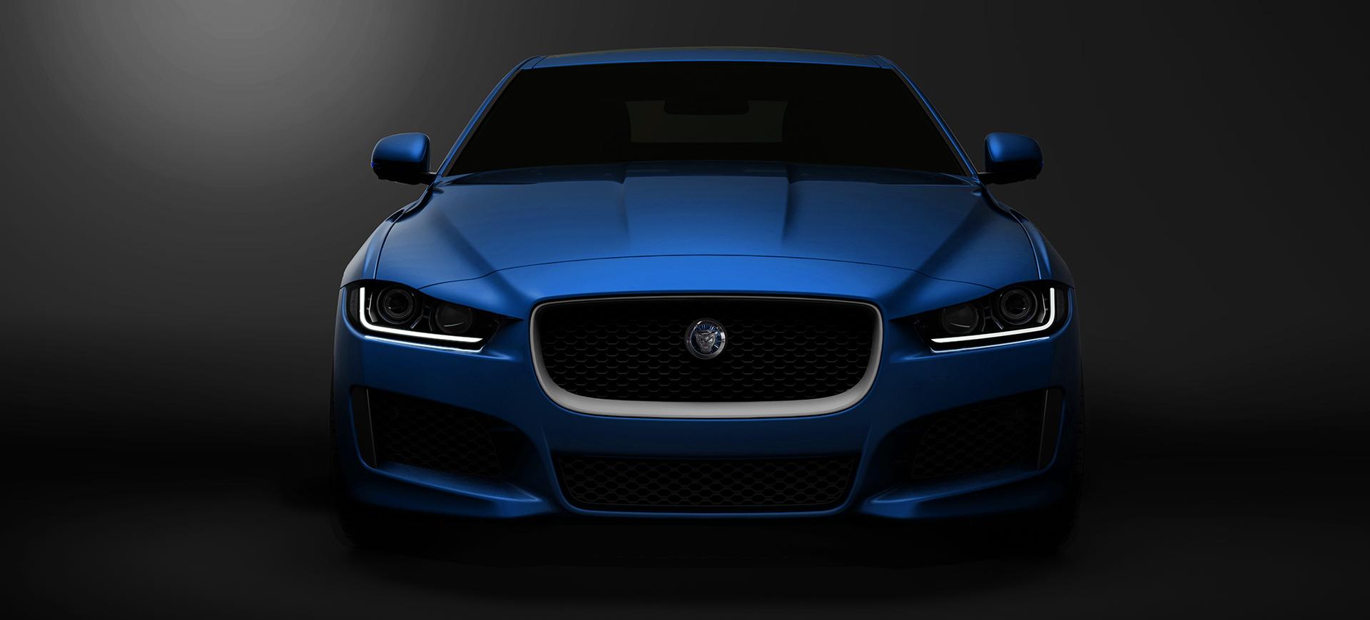 Jaguar XE frontal azul