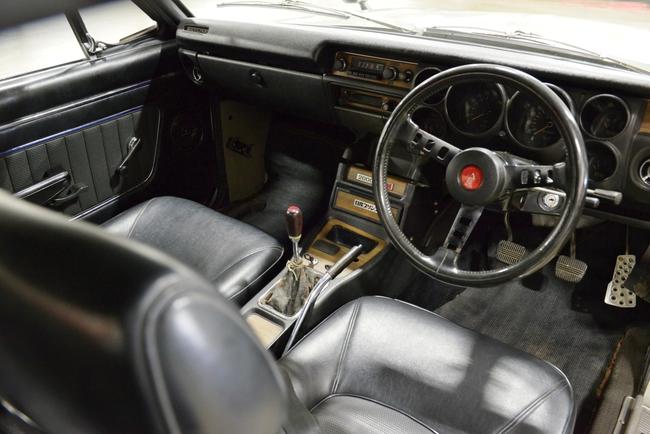 Nissan Skyline HT 2000GT-R 1972 interior