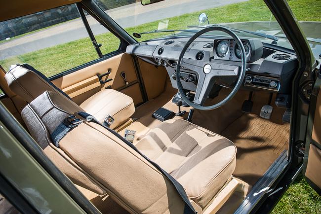 Range Rover 1969 interior