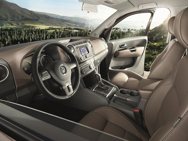 Volkswagen Amarok Highline Edition 2014 interior 01