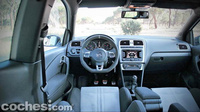 Volkswagen_Polo_R_WRC_14