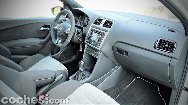 Volkswagen_Polo_R_WRC_17