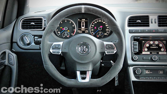 Volkswagen_Polo_R_WRC_23