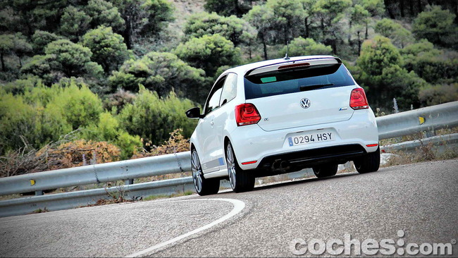 Volkswagen_Polo_R_WRC_41