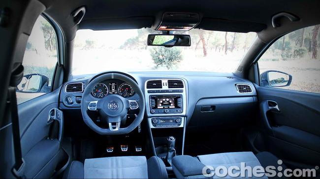 Volkswagen_Polo_R_WRC_72