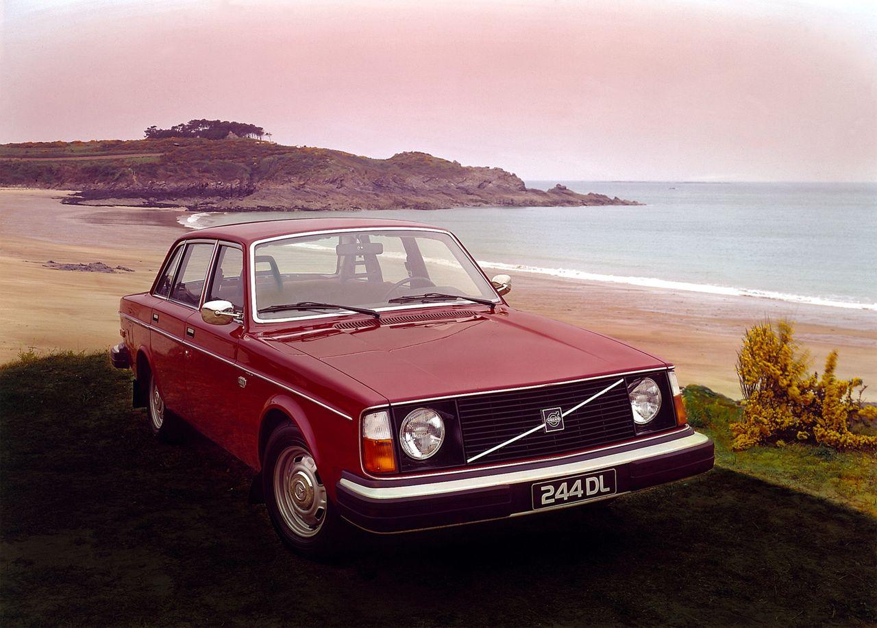 Volvo 244 DL 1974 01