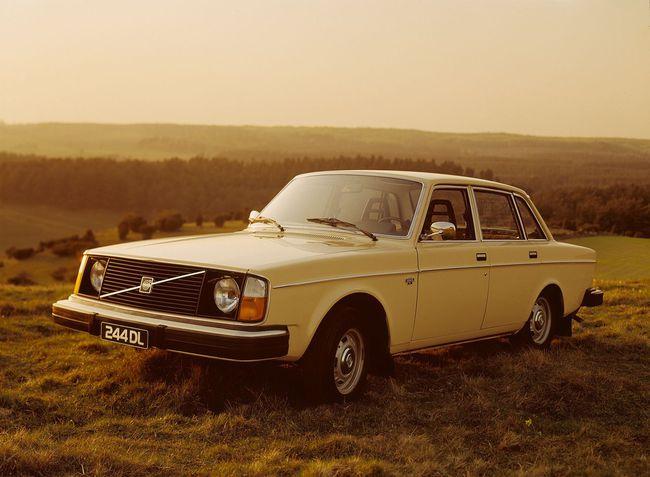 Volvo 244 DL 1974 02