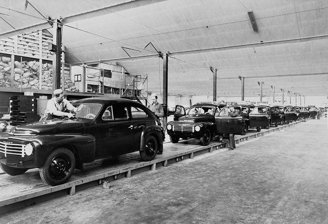 Volvo PV444 1944 07 fabricacion