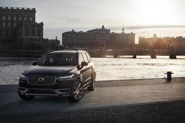 Volvo XC90 2015 01