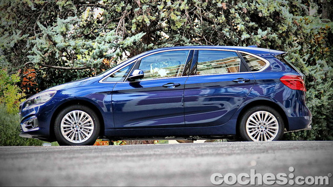 BMW_Serie_2_Active_Tourer_09