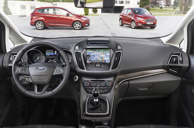 Ford C-MAX 2015 interior 03