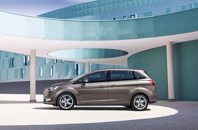 Ford Grand C-MAX 2015 04