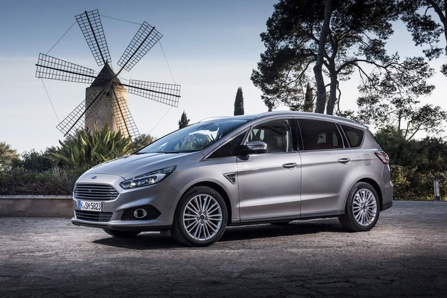 Ford S-Max 2015 11