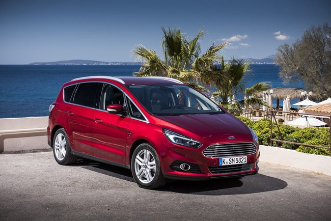 Ford S-Max 2015 12