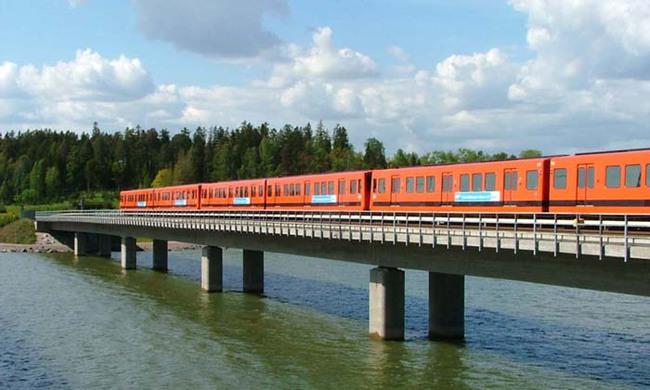 Helsinki_Metro_bridge
