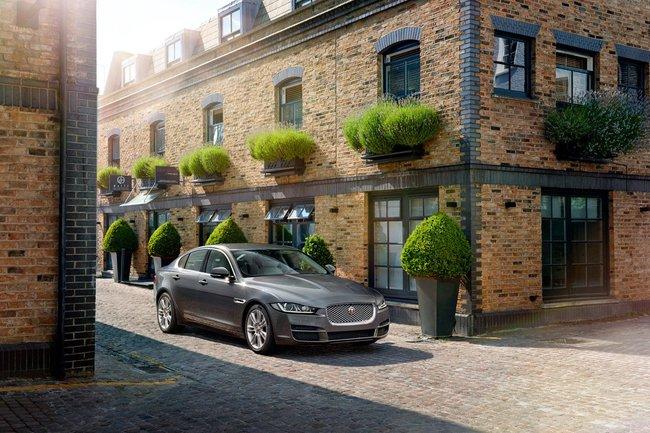 Jaguar XE 2015 14