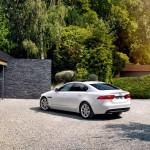 Jaguar XE 2015 17