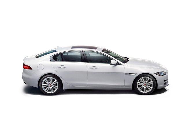 Jaguar XE 2015 20