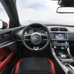 Jaguar XE 2015 interior 01