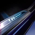 Jaguar XE 2015 interior 05