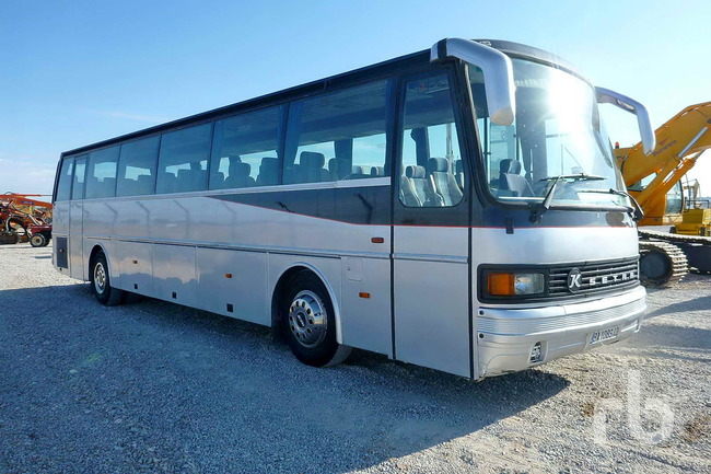 Lote_1112_1984_Setra_Kassbohrer_215H_57_Passenger_Bus_01