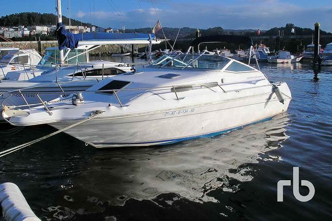 Lote_1270_2000_Sea_Ray_250_Boat_01