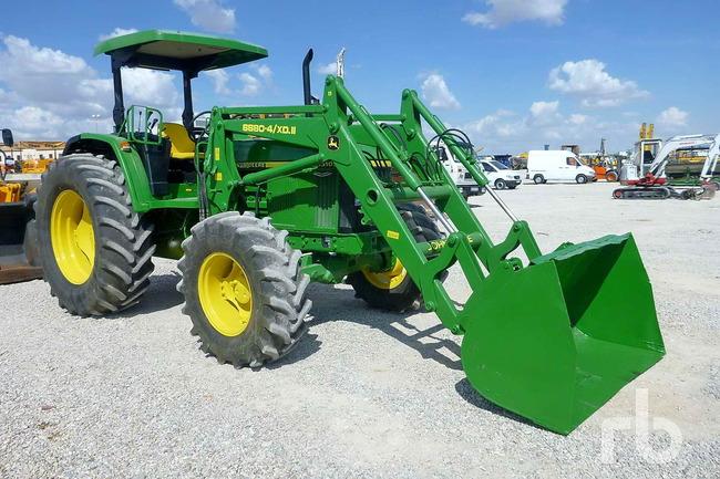 Lote_832_1998_John_Deere_6510_4WD_Tractor_MFWD_01