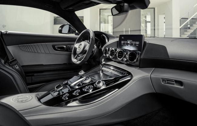 Mercedes AMG GT 2015 interior 01