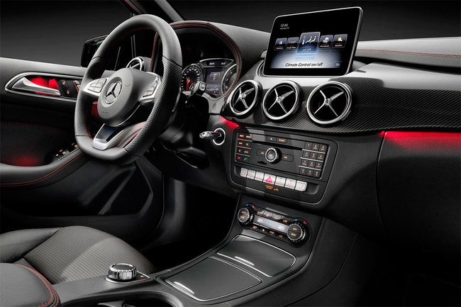 Mercedes-Benz Clase B 2015 interior 03