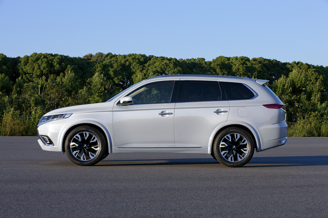 Mitsubishi Outlander PHEV Concept-S 2014 01