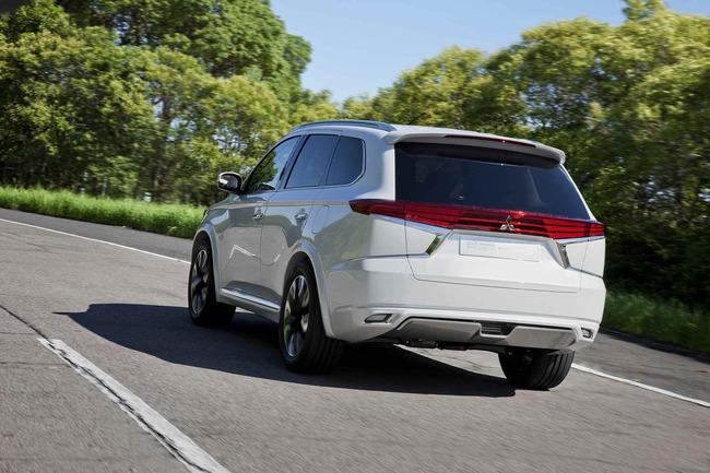Mitsubishi Outlander PHEV Concept-S 2014 04
