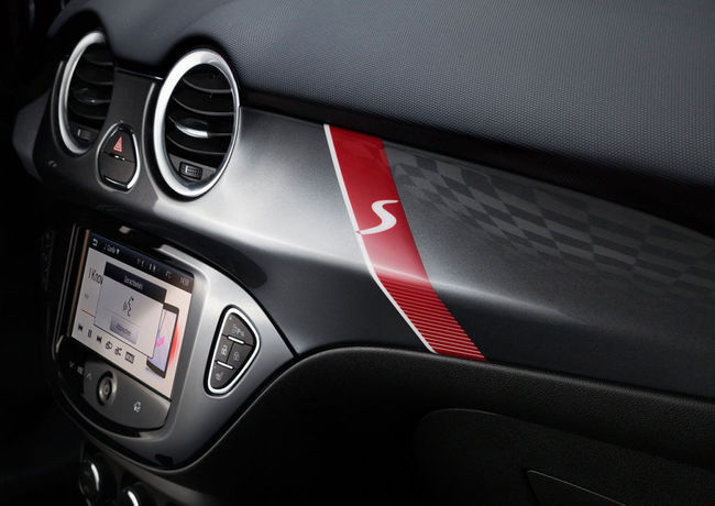 Opel ADAM S 2015 interior 02