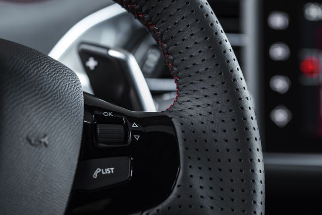 Peugeot 308 GT y Peugeot 308 SW GT interior 24