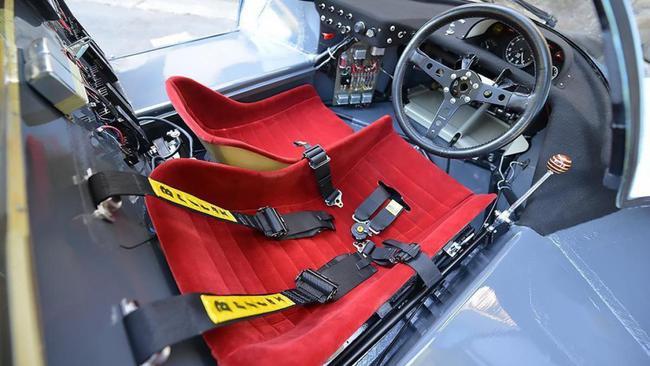 Porsche 917K Gulf Canepa interior 01