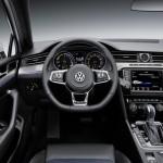 Volkswagen Passat GTE 2014 interior 01
