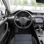Volkswagen Passat GTE 2016 interior 4